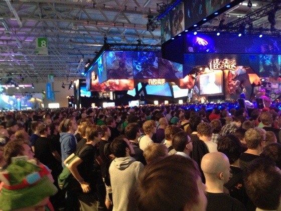 E-Sport in Halle 8 der gamescom 2013
