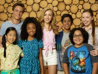Disneys Jessie Spin-off Comedyserie Camp Kikiwaka auf Disney Channel