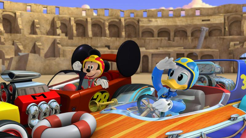 "Micky und die flinken Flitzer - ""Race for the Rigatoni Ribbon!"" - Mickey and the gang compete against Piston Pietro throughout Rome, while a runaway giant meatball chases after Goofy. This episode of ""Mickey and the Roadster Racers"" airs Monday, January 16 (12:00 - 12:25 P.M. EST) on Disney Junior. (Disney Junior) MICKEY MOUSE, DONALD DUCK"